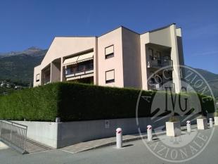 Alloggio con cantina e box auto nel Comune di Aosta