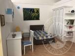 Immagine di Cameretta da bambino completa di letto, comodino, armadio a 3 ante, scrivania, due sedie, 1 quadro