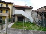 Immagine di Appartamento condominiale con accessori ed area di pertinenza (lotto 2)