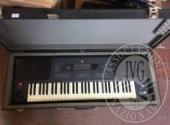 Primi 30 lotti tra tastiere, pianoforti, violini, pedalini multieffetto, amplificatori, casse, mixer ed accessori vari
