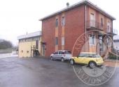 Lotto 3: piena proprieta' fabbricato in parte ufficio, magazzino e abitazione adiacenti in Fidenza