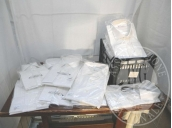 Camicie bianche di marche diverse di taglie 44-40-42-46-45