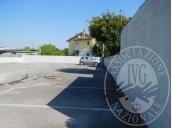 Immagine di Posti auto esterni in un complesso immobiliare. Immobili liberi.